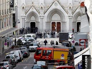 """""""Potvrzuji, že všechno nasvědčuje tomu, že u baziliky Notre-Dame v Nice se..."""