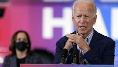 'Oba jsou to běloši s historií sexuálního predátorství. Biden je volbou z rozumu.' Lidé, co z USA utekli, nechtějí Trumpa