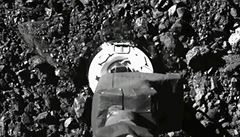 Sondě se podařilo zavřít dvířka schrány se vzorky z planetky Bennu. Na vrátit by se měla v roce 2023
