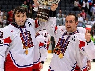 MS 2010: Jaromír Jágr a Tomáš Rolinek slaví titul mistrů světa