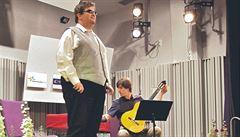 Nevidomého zpěváka okradl kamarád o milion a půl. Pachatel dluží peníze i známé umělkyni Holanové