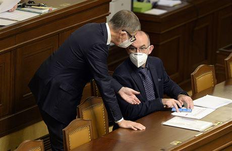 Vláda po souhlasu Sněmovny prodloužila nouzový stav do 14. února. Dohromady bude trvat nejméně 132 dnů