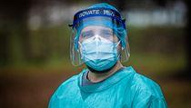 Petr Kozlík effectue temporairement des prélèvements nasopharyngés à l'hôpital de Slaný.  |  sur le serveur Lidovky.cz |  actualités