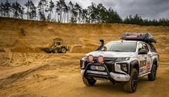 NOMÁDI: České Mitsubishi postavilo auto, za kterým se lidé otáčejí. Expediční speciál na pick-upu L200