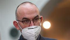 Vláda mimořádně projedná koronavirová opatření už v neděli, oznámil ministr Blatný