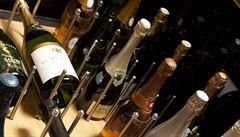 Šampaňské a další lahůdky trpí kvůli covidu. Jak budou vypadat Vánoce po gurmánské stránce?