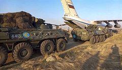Arménie a Ázerbájdžán se obviňují z porušení příměří v Karabachu. Rusko dohlížející na mír větší střety nezaznamenalo