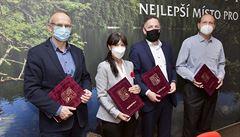 STAN, Piráti a ODS podepsali koaliční smlouvu v Plzeňském kraji. Hejtmankou má být občanská demokratka