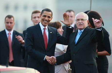 Obama v Praze v roce 2010 kvůli podpisu smlouvy START. Baracka Obamu přivítal...