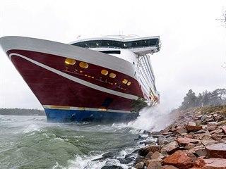 Trajekt Viking Grace najel na mělčinu u Alandských ostrovů.