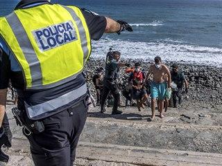 Migranti na Kanárských ostrovech.