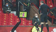 Chaos v Anglii, brankář při penaltě napodobil Koláře. Jedna VAR pohroma střídá druhou, shodují se legendy
