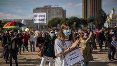 Španělé chystají seznam neočkovaných. Plán budí rozpaky, připomíná historické pokusy o segregaci lidí