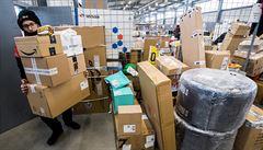 Koronavirus způsobil nedostatek papírových krabic, obchodníci obaly shání i několik týdnů