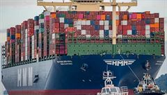 Čína předstihla Německo, poprvé se stala největším dovozcem do Británie. Pomohl jí brexit i pandemie