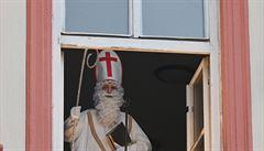 'Svatý superpřenašeč'. Mikuláš v Belgii při vánočních radovánkách zřejmě nakazil desítky seniorů