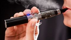 Boj proti kouření. New York chce omezit inhalaci e-cigaret na veřejnosti