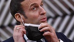 Macron už nemá příznaky nemoci covid-19, karanténu ve Versaille může už ukončit