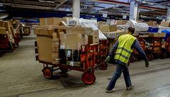 Česká pošta prodloužila původní termíny, kdy garantuje doručení balíku do Vánoc