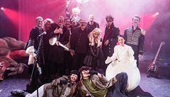 DIVADELNÍ OKÉNKO: Divadlo pod Palmovkou natočilo vánoční hit. Vánoční zombie apokalypsa vznikla v pražské Libni