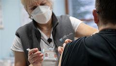 V Praze bylo za první dva dny očkováno proti covidu asi 2500 lidí. Vakcinuje se zatím ve čtyřech nemocnicích