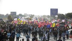 Indie čelí vzpouře farmářů. Protesty zemědělců zachvátily celou zemi, bojí se vládní reformy