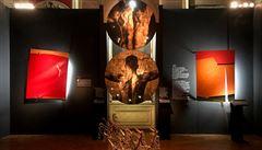 Zraněné umění jako svědek katastrofy. V Bejrútu jsou k vidění díla poškozená srpnovým výbuchem