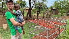 Český satanista v Tanzánii: Jde nám hlavně o osamostatnění Afriky, covid tu neřeší