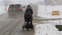 Sníh opět komplikuje život v Česku, brzdí dopravu a dodávky proudu