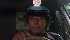 Zemřela herečka Marion Ramseyová. Známá byla z filmu Policejní akademie, kde ztvárnila policistku Hooksovou