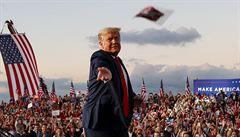 Milice podporující Trumpa se chystají na volby. Experti před nimi varují, mohou sehrát násilnou roli