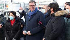 Srbský prezident přijíždí na návštěvu Česka, hasiči budou rozvážet testy pro školy