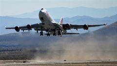 Letecká nákladní doprava se po pandemii plně zotavila, osobní se ale nadále propadá