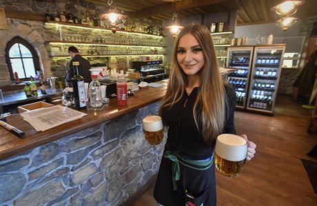 Desítky restaurací v Česku protestovaly proti vládním opatřením. Některé otevřely jako petiční místnosti
