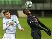 Slavia vyhrála v Karviné a udržela si náskok v čele ligy, trefil se Sima. Opava utrpěla debakl v Olomouci