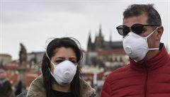 Vojtěch: Prvních 60 tisíc respirátorů přijde v pátek, dalších 290 tisíc příští týden. Kupují se i rychlotesty
