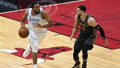 Chicago znovu podlehlo šampionům NBA Lakers, Satoranský dal pět bodů