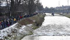 Většina lidí nevěří, že se havárie na Bečvě vyšetří, tvrdí průzkum