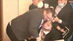 Policie prověřuje Volného incident ve sněmovně. Může být podezřelý z výtržnictví
