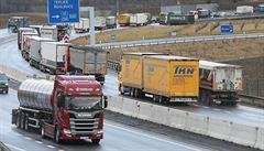 Pandemie omezí výstavbu silnic a dálnic. Není ubytování pro dělníky, komplikovaný je i transport materiálu