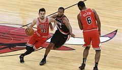 Chicago prohrálo v NBA těsně s Portlandem, Satoranský stihl dát šest bodů