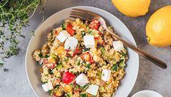 VAŘENÍM PROTI COVIDU: Dopřejte si více vitaminu C. Třeba v řeckém kuskusovém salátu
