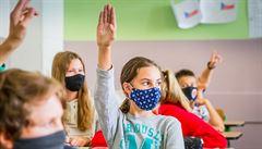 Ministr Prymula připustil, že se první stupeň do škol začátkem listopadu nevrátí