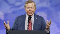 Fox News zrušila pořad moderátora Dobbse. Ten podporoval teorie o ukradených volbách