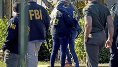 Muž na Floridě zastřelil dva agenty FBI. Sledoval je kamerou u zvonku, pak spustil palbu skrz dveře