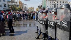 Barmská policie zastřelila dalšího demonstranta. Při protestech proti převratu zemřelo už přes 50 lidí