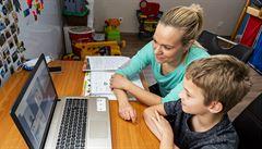 Školní inspekce pod palbou rodičů. Místo běžných stížností úřad zavalily dotazy na domácí výuku