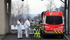 Na možný převoz do Německa a Polska se chystá sedm pacientů, dorazily i vakcíny z Německa a Francie