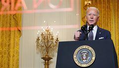 Bidenovo ohromující utrácení dá ve volbách šanci republikánům, píše komentátor WSJ