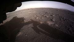 Pýchavky na Marsu? Vědci našli na fotografiích údajné známky života, můžou to být houby
